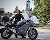 Phượt 7.000km với mô tô điện, cô gái làm được điều chưa ai dám làm