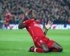 MỚI: Sadio Mane gặp khó nếu về V-League; MU thắng 3-0
