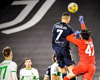 Bật nhảy như siêu nhân, Ronaldo khiến cả thế giới trầm trồ