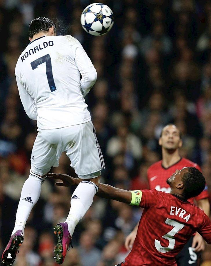 Bat-nhay-nhu-sieu-nhan-Ronaldo-khien-ca-the-gioi-tram-tro-2
