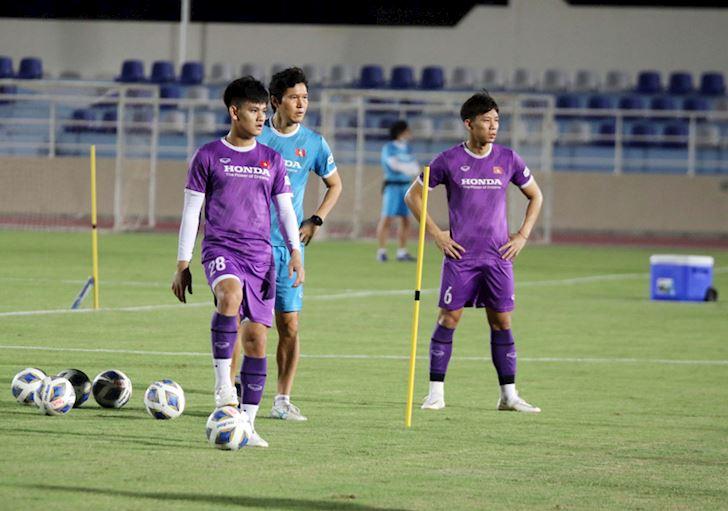 Tuyen-Viet-Nam-nguy-co-bay-khoi-top-100-BXH-FIFA-2