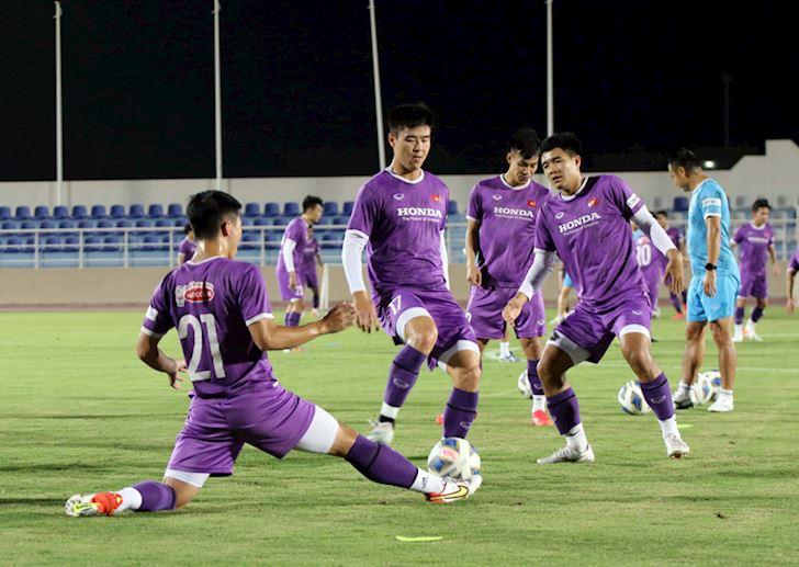 Tuyen-Viet-Nam-nguy-co-bay-khoi-top-100-BXH-FIFA-1