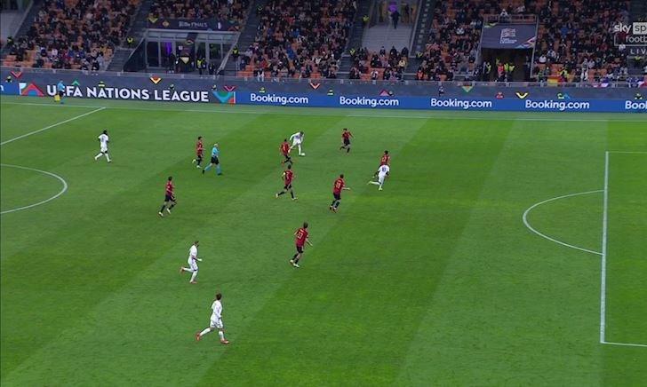 Tranh cãi nảy lửa về bàn thắng ở thế việt vị của Mbappe