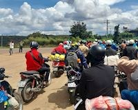 Chạy xe máy từ TP.HCM về Đăk Lăk, ăn uống xăng xe đều được miễn phí