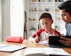Càng la mắng con càng phớt lờ, cách hay bố giúp con chủ động và ham học