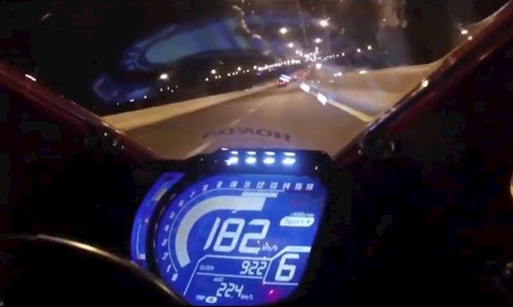Max speed CBR250RR - Chiếc mô tô hay bị xe độ cà khịa nhất