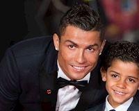 Cậu cả nhà Ronaldo: Từ đứa trẻ thiếu tình thương đến ngôi sao trên mạng Internet