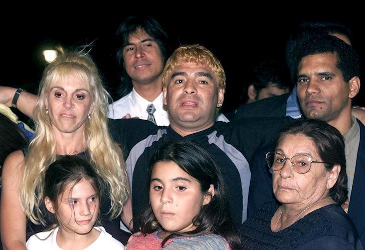 Tai-san-71-trieu-bang-cua-Maradona-boc-hoi-khong-ly-do-2