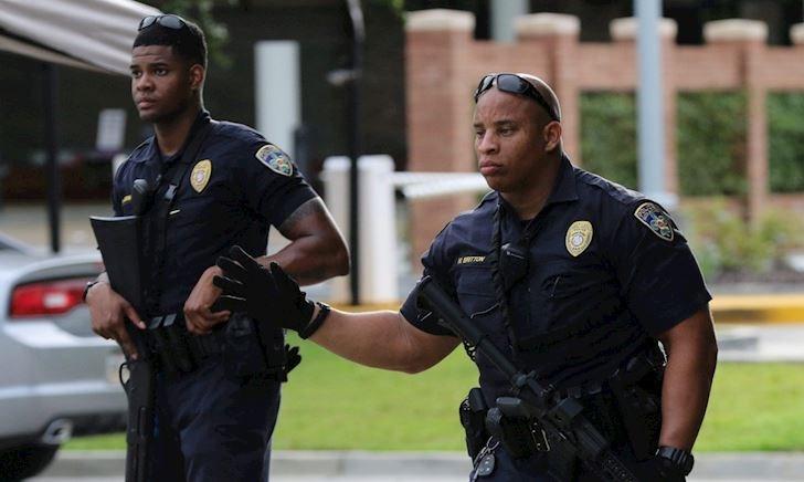 Cảnh sát Mỹ bật nhạc bản quyền vì không muốn bị livestream