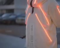 BMW làm áo khoác cho biker, có hệ thống đèn và sạc không dây
