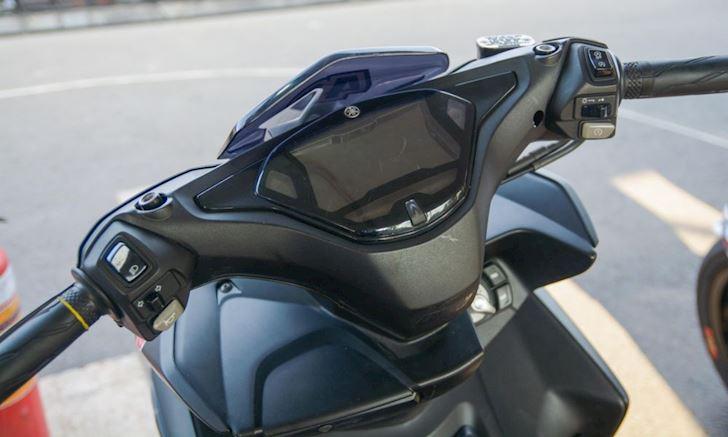 xe tay ga, xe độ, Yamaha NVX 155