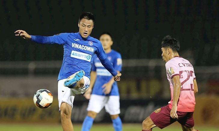 """Cầu thủ Quảng Ninh: """"Không có tiền, chúng tôi không đá với Hà Nội"""""""