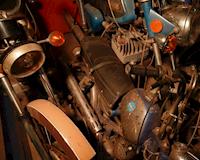 Kho xe khổng lồ chứa 5 nghìn chiếc xe cổ điển cũ