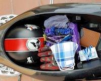 5 món đồ bố luôn nên để trong cốp xe