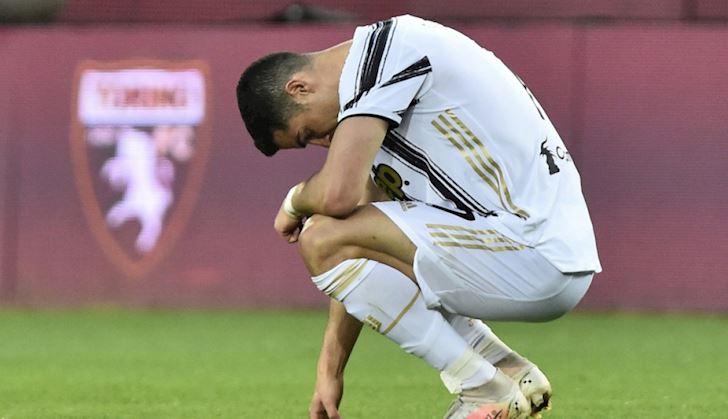 Hau-ve-Duc-Toi-xin-doi-ao-ma-Ronaldo-con-khong-them-nhin-mat-toi-3