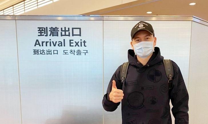 Đội mới của Đặng Văn Lâm bất ngờ phát hiện có người dính Cô-vi