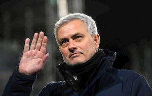 Mourinho mất 10 ngày để chính thức nhận việc mới