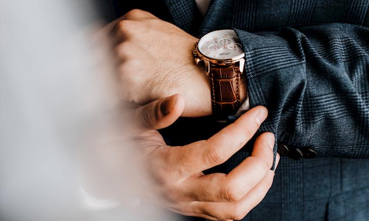Nam giới hiện đại biết cách đeo đồng hồ sao cho vừa sang vừa đẹp