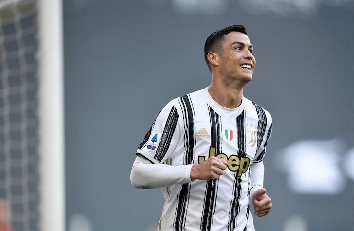 Ronaldo-lap-ki-luc-nang-cup-vo-dich-danh-hieu-du-chat-day-nha-2