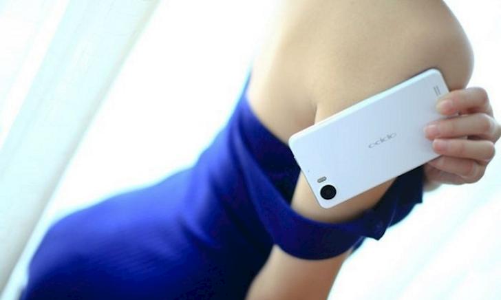 Không phải iPhone đây mới là chiếc smartphone đầu tiên bỏ jack tai nghe