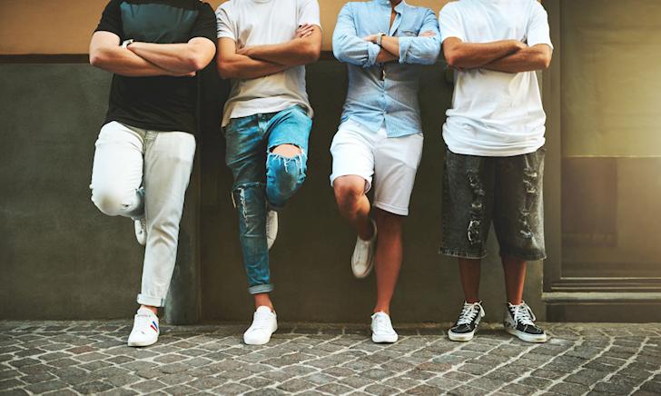 Cách ăn mặc theo kiểu street style giúp anh em trông đô con hơn