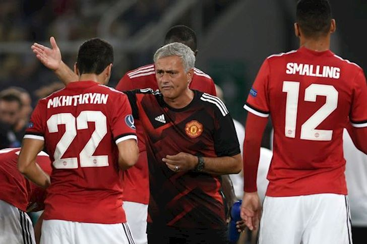 Mourinho-ve-Roma-keo-theo-chuoi-drama-dai-bat-tan-voi-hoc-tro-cu-2