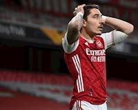 Vỡ mộng chung kết 4 đội Anh, Arsenal còn bị fan chặn xe