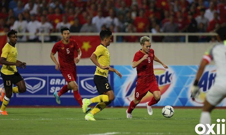 Huyen-thoai-Malaysia-Dung-so-DT-Viet-Nam-ho-chi-co-2-chan-thoi-1
