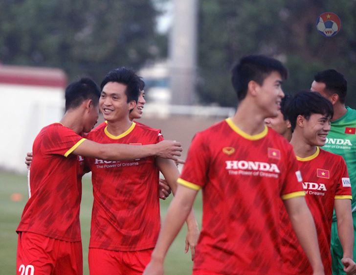 TRUC-TIEP-Viet-Nam-vs-Malaysia-Quyet-dau-vi-3-diem