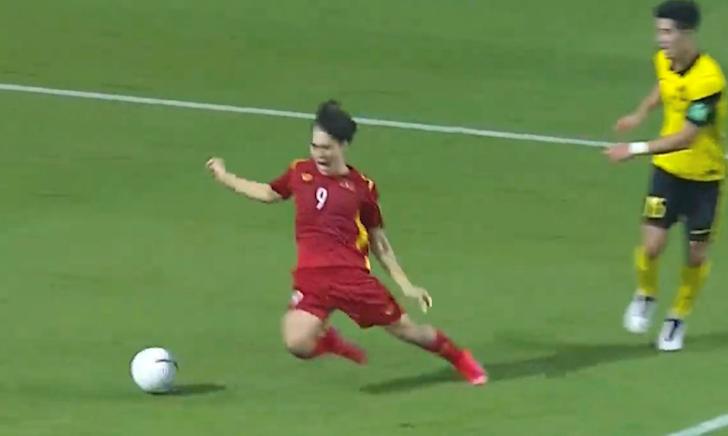 TRỰC TIẾP Việt Nam 2-1 Malaysia: Thắng lợi kịch tính (Kết thúc)