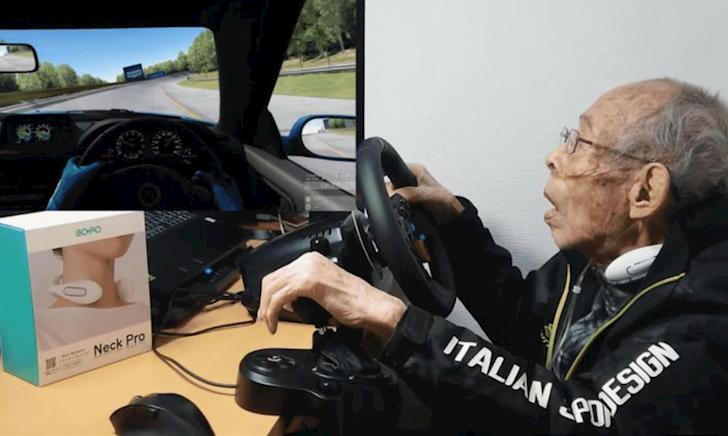 Cụ ông 93 tuổi với thú vui chơi game đua xe cực chất khiến cho con cháu phải há hốc