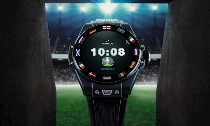 Tim hieu ve Hublot Bing Bang E chiec dong ho deo tren co tay cua trong tai Euro 2020