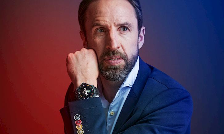 Tìm hiểu về Hublot Big Bang E chiếc đồng hồ đeo trên cổ tay của trọng tài Euro 2020