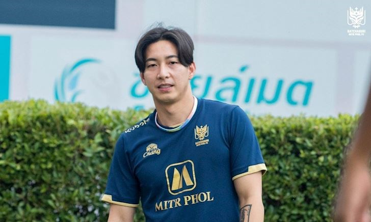 CLB Thái Lan đăng kí đồng nghiệp của Sơn Tùng đá Champions League