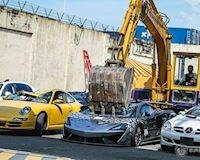 Hàng loạt siêu xe bị nghiền nát, nhìn mà tiếc