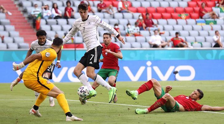 Cai-tat-troi-giang-cua-tuyen-Duc-vao-tham-vong-cua-Ronaldo-2