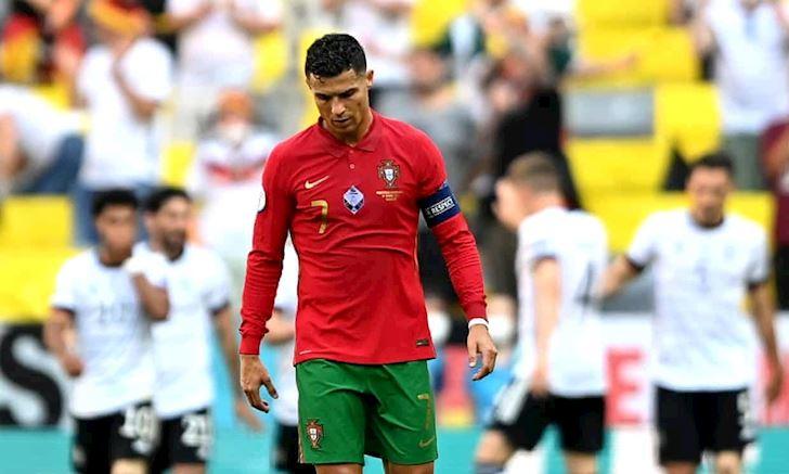 Anh-em-xa-bo-chu-y-Ronaldo-cu-gap-Phap-la-tat-dien-1