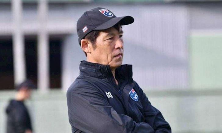 Lương của HLV Nishino bị cắt giảm, giờ đã thua kém thầy Park