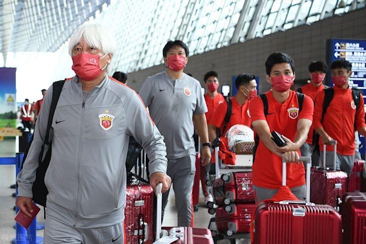 Bi-loai-khoi-AFC-Champions-League-cau-thu-Trung-Quoc-mat-luon-viec-lam-2