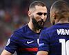 Pháp bị loại vì cầu thủ chơi game, cày phim xuyên màn đêm