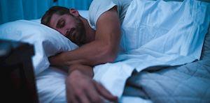 Để nam giới đi vào giấc ngủ sâu và chất lượng hơn