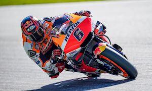 Những người hùng thầm lặng đã giúp xe đua MotoGP có thể hoạt động hoàn chỉnh
