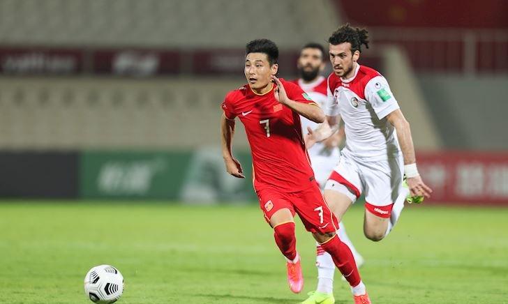 Dồn lịch đấu tuyển Việt Nam, cầu thủ Trung Quốc sợ ngất xỉu trên sân