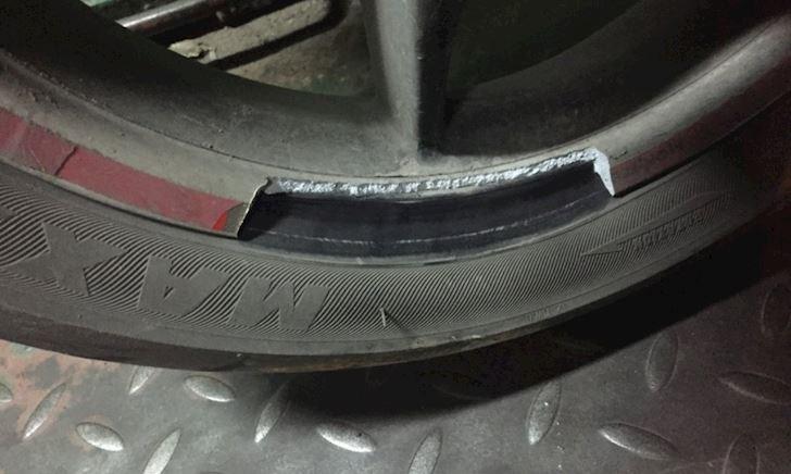 Để lốp xe thiếu áp suất, bố và anh em có thể sẽ hối hận
