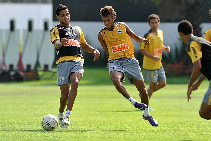 Ban-than-Neymar-nhap-tich-Trung-Quoc-thach-thuc-DT-Viet-Nam-2