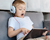 5 cách giúp anh em nuôi dạy một đứa trẻ nhạy cảm