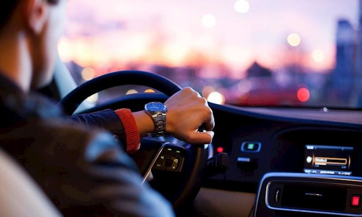 5 điều mà các tài xế hay làm khi lái xe 1 mình