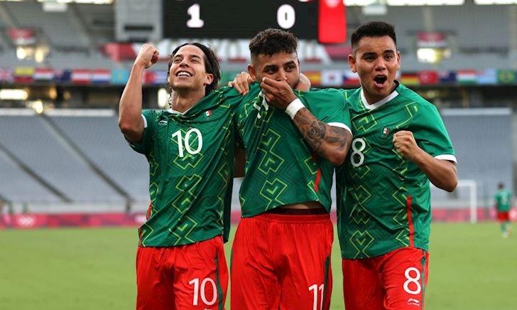 Tuyển Pháp cài 2 'tay trong' ở Mexico vẫn thua tan nát 1-4