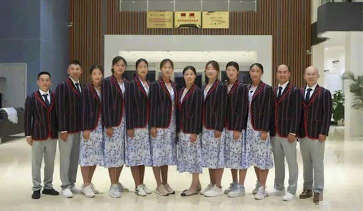 Trang-phuc-tham-hoa-cua-Doan-Trung-Quoc-tai-Olympic-te-hon-ca-chua-xao-trung-1