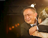 Trước khi con gái đi lấy chồng, bố luôn dặn hỏi thăm 3 điều về nhà trai